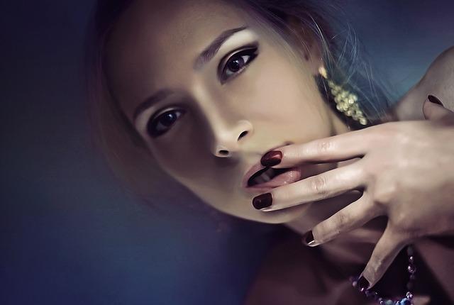 Jak zdjąć żel z paznokci