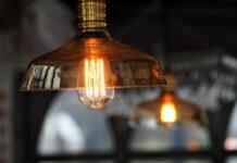 Nowoczesne lampy sufitowe w gabinecie