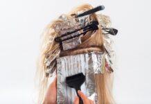 dlaczego farbowanie włosów je niszczy